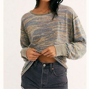 NEW! FREE PEOPLE LOOSE FIT TOP!